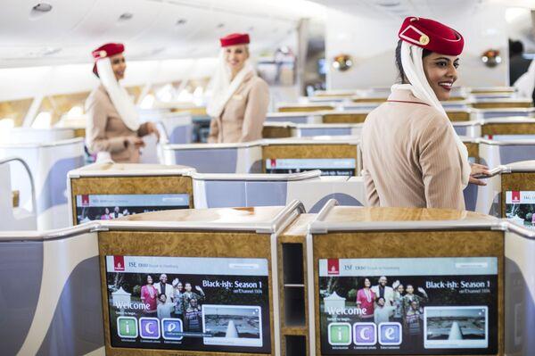 Wnętrze samolotu pasażerskiego Airbus A380-800 linii lotniczych Emirates Airline  - Sputnik Polska