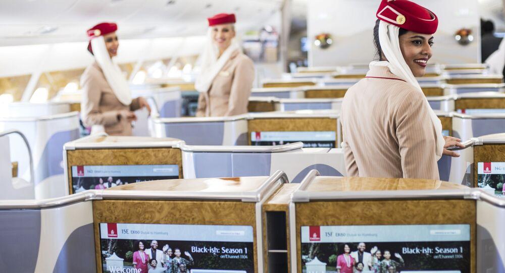 Wnętrze samolotu pasażerskiego Airbus A380-800 linii lotniczych Emirates Airline