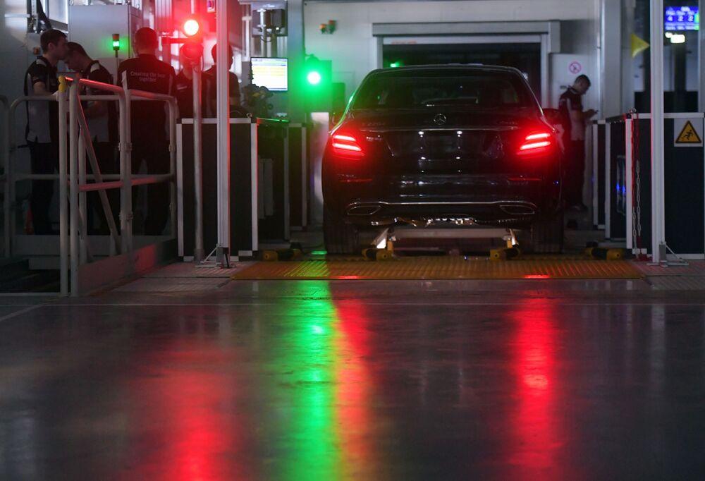 Samochód w fabryce Mercedes-Benz, która została otwarta w obwodzie moskiewskim