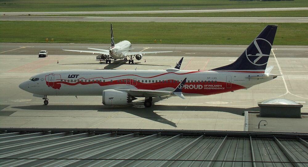 Samolot Boeing 737-8 MAX polskich linii lotniczych LOT. Zdjęcie archiwalne