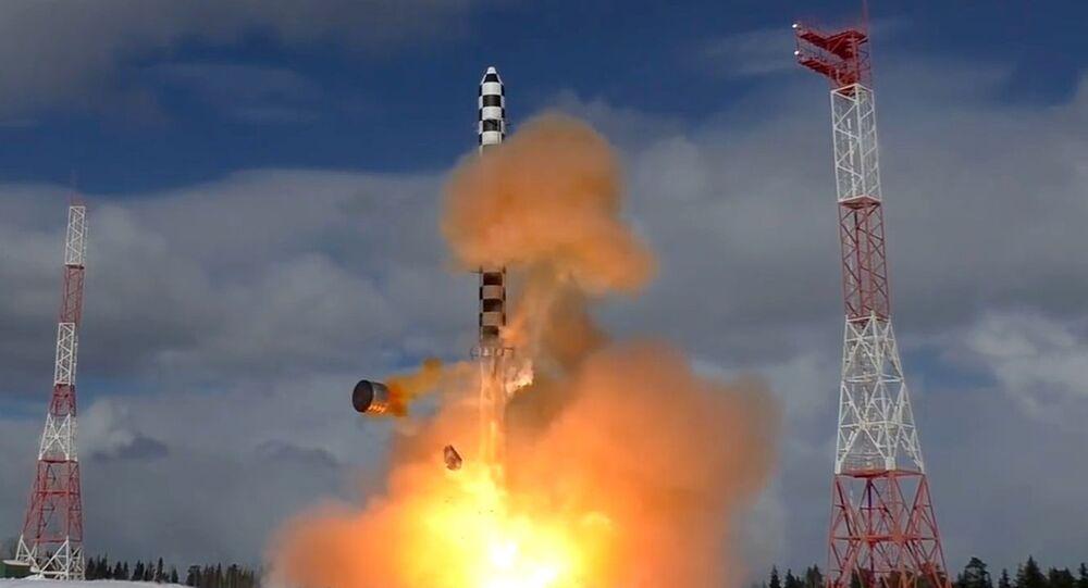 Start rakiety Sarmat z kosmodromu Plieseck