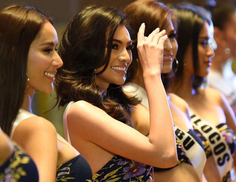 """Przedstawienie kandydatek do tytułu """"Miss Filipin"""""""