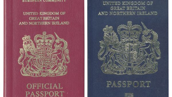 Stary i nowy paszport Wielkiej Brytanii - Sputnik Polska
