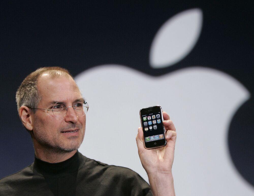 Steve Jobs na prezentacji pierwszego iPhonu, 2007 rok