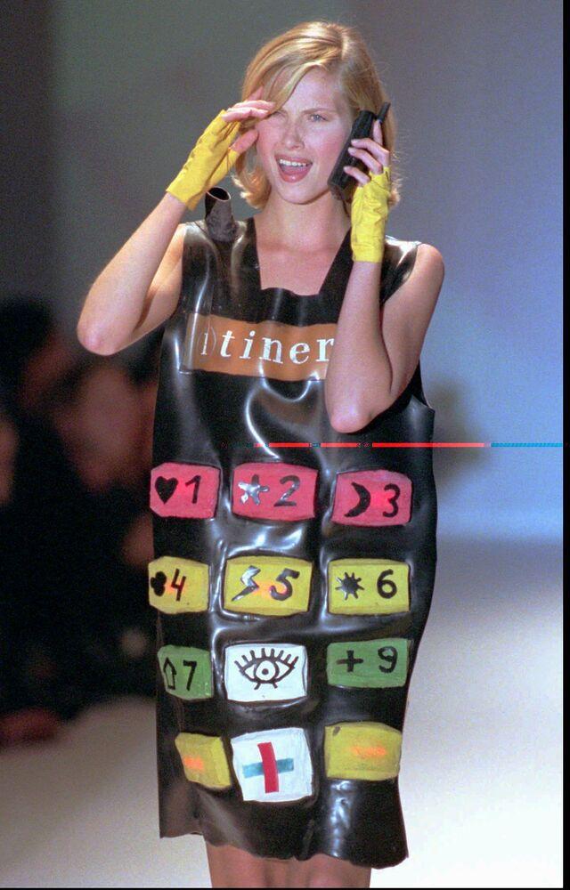 Pokaz mody Jean-Charles de Castelbajac w Paryżu, 1995 rok