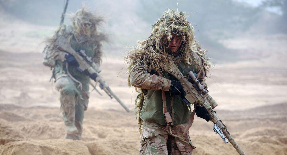 Żołnierze NATO podczas ćwiczeń w bazie wojskowej Adazi na Łotwie