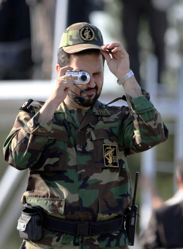 Irański Korpus Strażników Rewolucji Islamskiej podczas ćwiczeń - Sputnik Polska