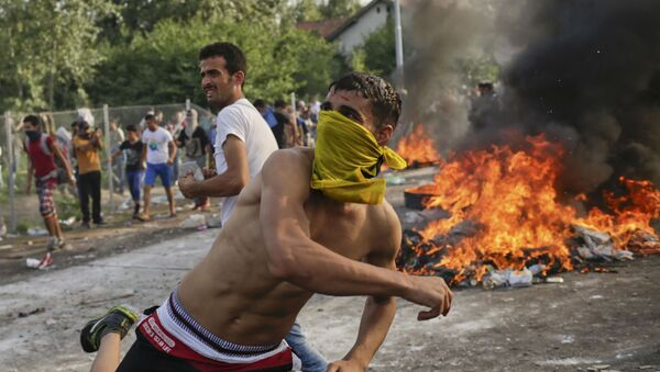 Uchodźcy. Zamieszki na granicy serbsko-węgierskiej - Sputnik Polska