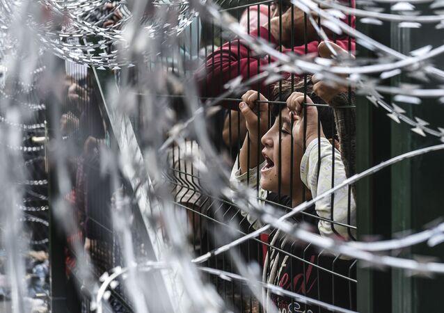 Uchodźcy. Zamieszki na granicy serbsko-węgierskiej