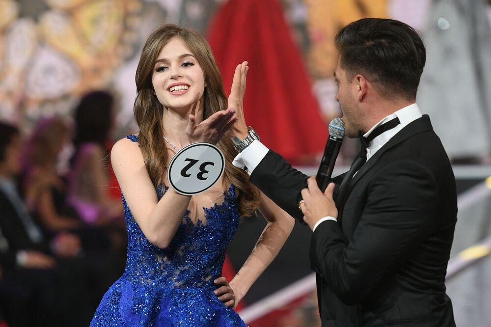 Miss Rosji 2019 Alina Sańko (Azow) w finale konkursu Miss Rosji 2019 w Barvikha Luxury Village.
