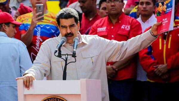 Nicolas Maduro na wiecu w Caracas - Sputnik Polska