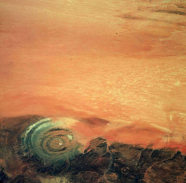 Kalb ar-Riszat – przypominająca krater struktura geologiczna na Saharze - Sputnik Polska