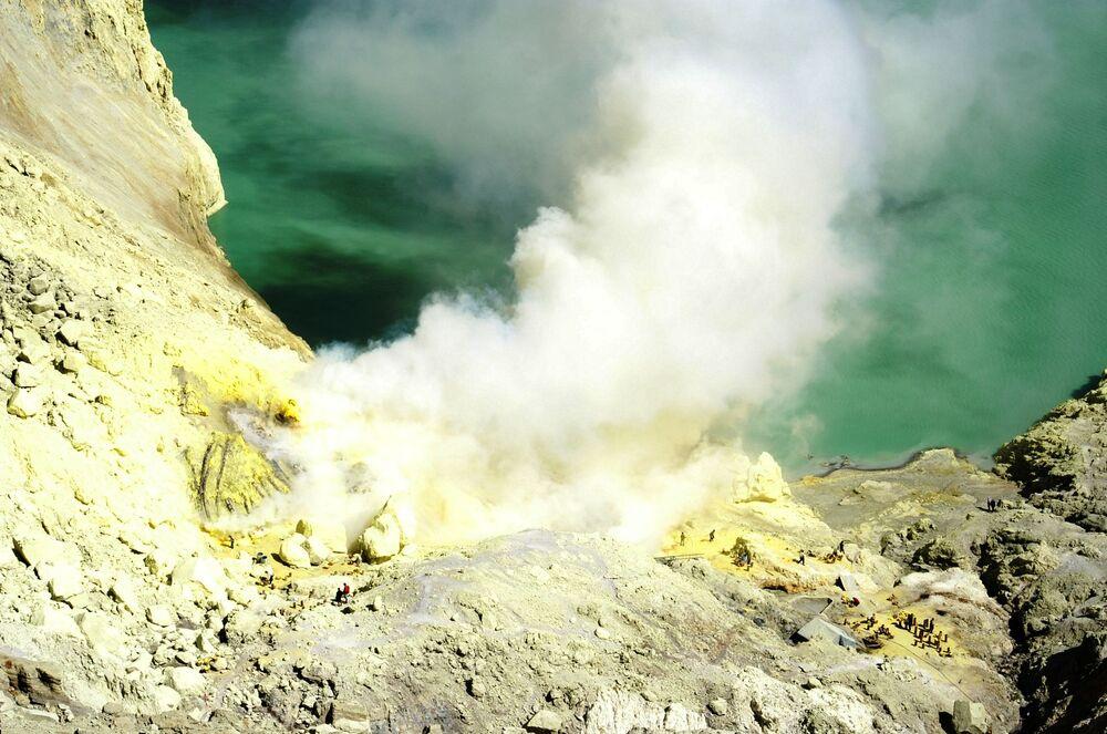 Ijen – kompleks czynnych wulkanów we wschodniej części Jawy w Indonezji