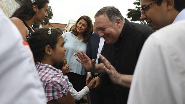 Wizyta sekretarza stanu USA Mike'a Pompeo na granicy Wenezueli i Kolumbii - Sputnik Polska