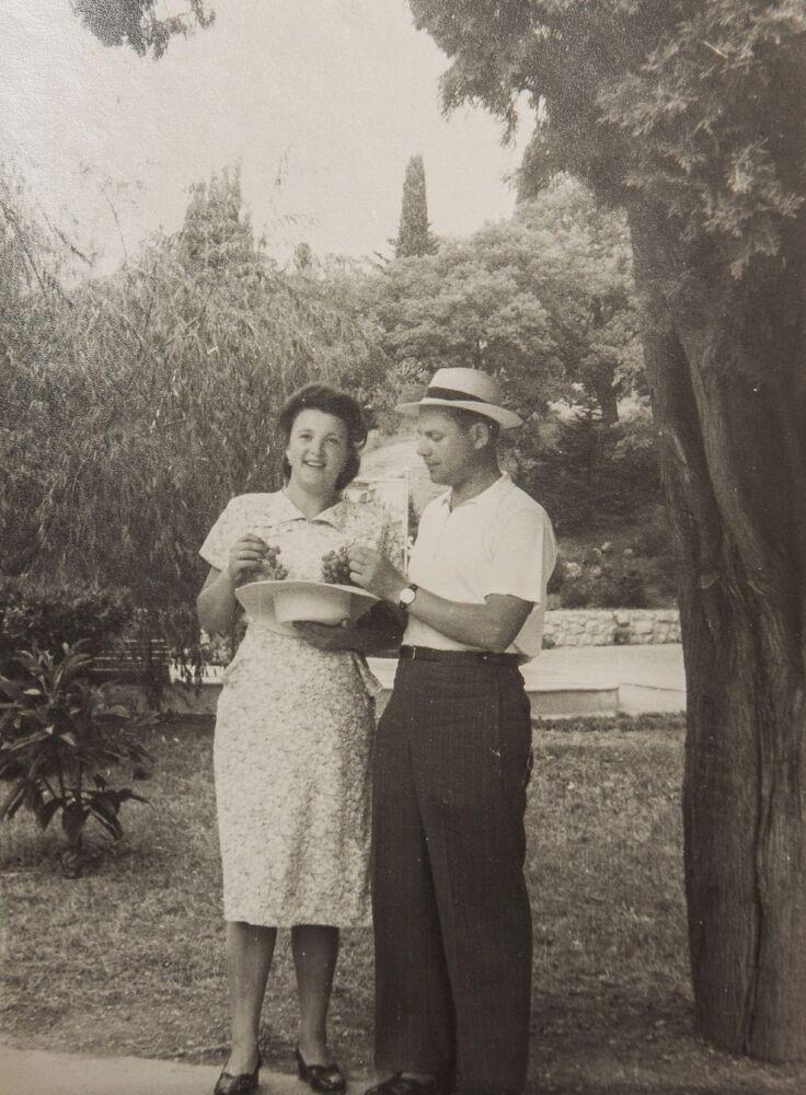 Bohater Związku Radzieckiego Aleksandr Siłantjew z żoną
