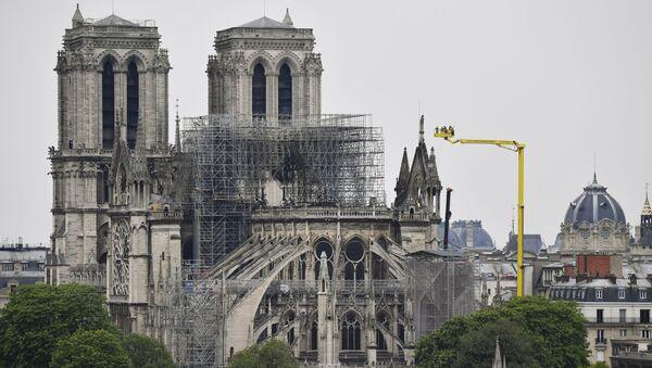 Katedra Notre-Dame w Paryżu po pożarze - Sputnik Polska