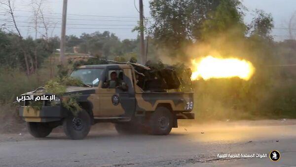 Samochód Libijskiej Armii Narodowej Chalify Haftara - Sputnik Polska