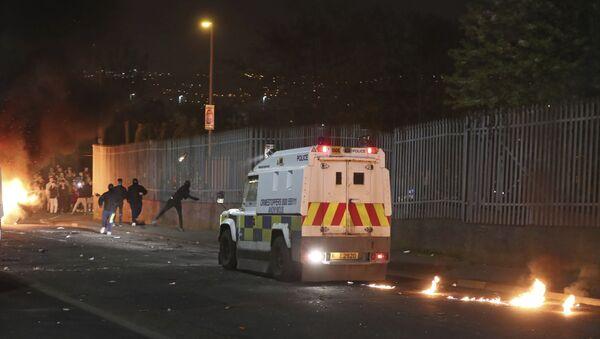 Zamieszki w Londonderry w Irlandii Północnej - Sputnik Polska