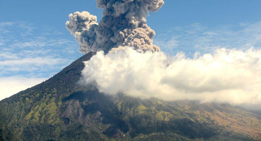 Erupcja wulkanu Agung na Bali, Indonezja