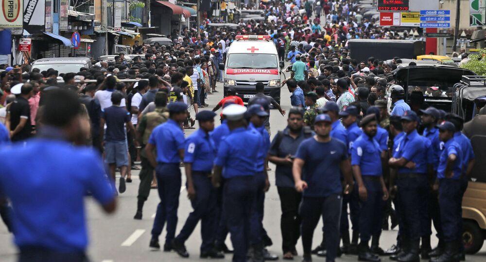 Karetka w miejscu wybuchu na Sri Lance