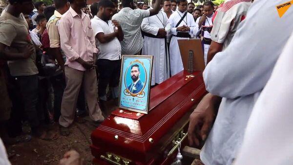 Pogrzeb pierwszych ofiar zamachów na Sri Lance - Sputnik Polska