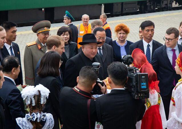 Kim Dzong Un na stacji Hasan