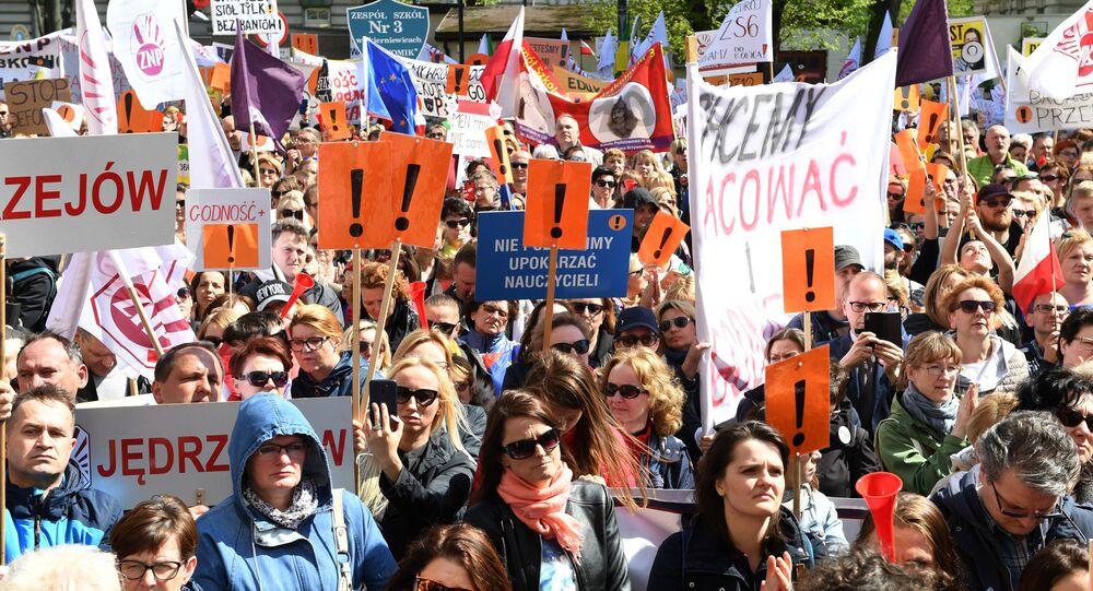 Strajk nauczycieli, Warszawa