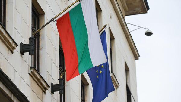 Flaga Bułgarii i UE - Sputnik Polska