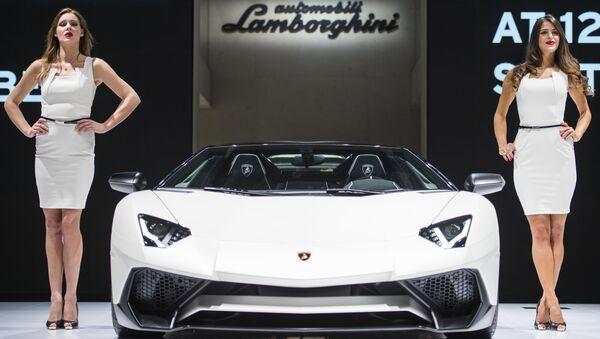 Stoisko Lamborghini wystawy motoryzacyjnej Internationale Automobil-Ausstellung - 2015 we Frankfurcie nad Menem - Sputnik Polska