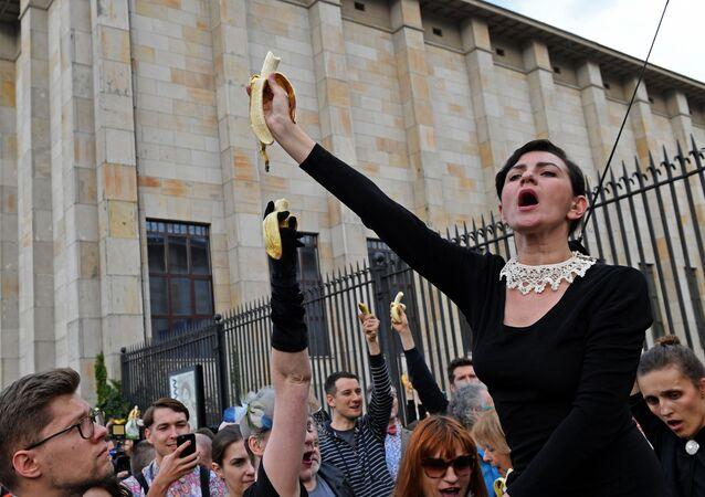 Bananowy protest pod Muzeum Narodowym, Warszawa