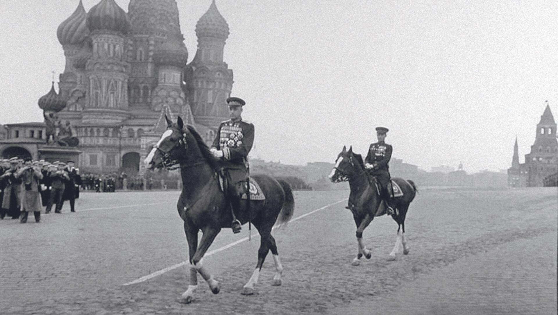 Konstanty Rokossowski, polski i sowiecki żołnierz, dowódca, marszałek Polski i marszałek Związku Radzieckiego, dwukrotny Bohater Związku Radzieckiego - Sputnik Polska, 1920, 14.05.2021