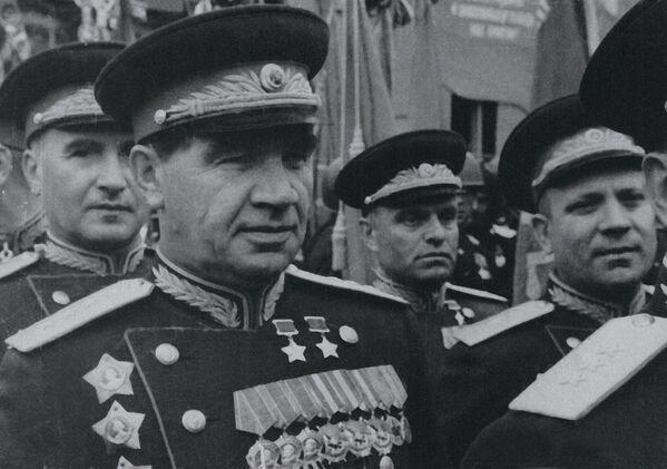 Parada Zwycięstwa na Placu Czerwonym w 1945 roku  - Sputnik Polska