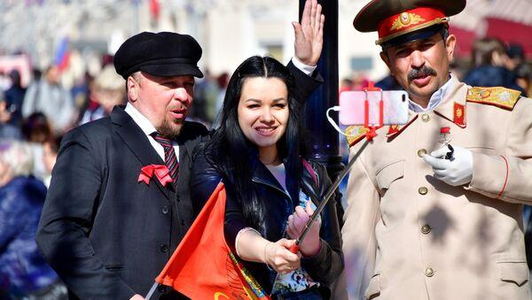 Sobowtóry Lenina i Stalina na ulicy Nikolskiej - Sputnik Polska
