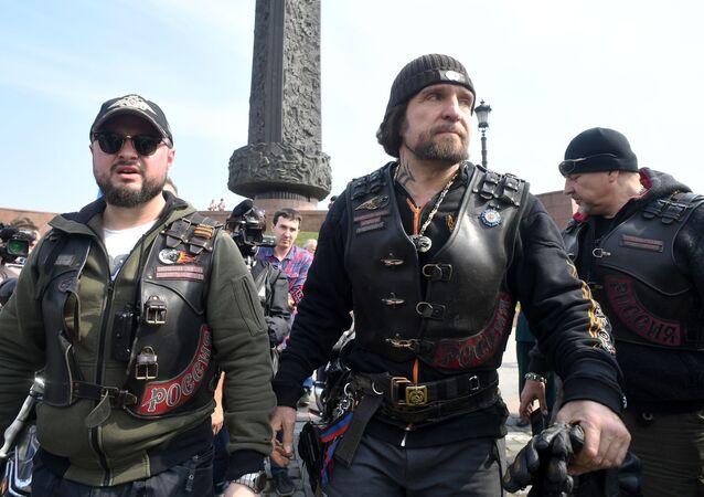 """Rozpoczęcie rajdu motocyklowego """"Drogi Zwycięstwa - na Berlin"""""""