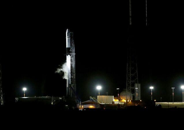 Uruchomienie rakiety Falcon 9 ze statkiem kosmicznym Dragon na ISS