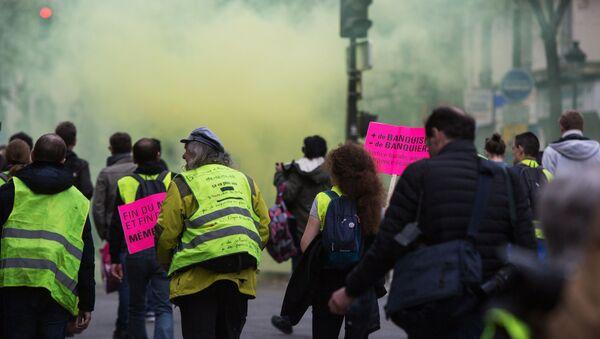 Protesty żółtych kamizelek - Sputnik Polska