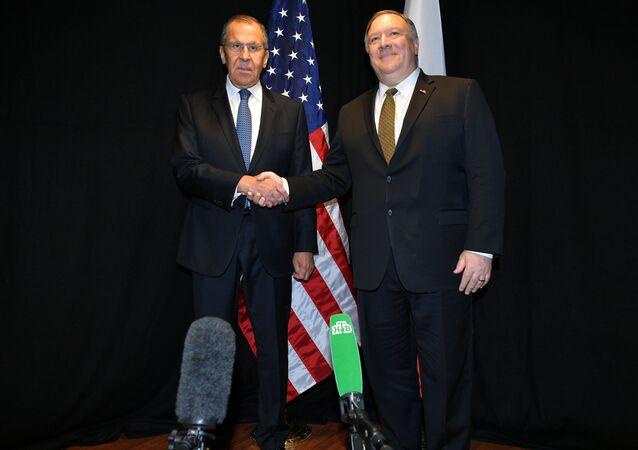 Szef rosyjskiej dyplomacji Siergiej Ławrow i Sekretarz stanu Stanów Zjednoczonych Mike Pompeo