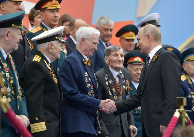 Władimir Putin na Placu Czerwonym podczas Parady Zwycięstwa