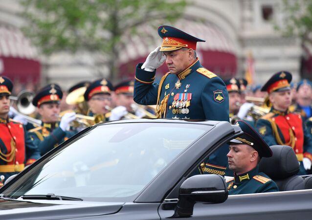 Minister obrony Federacji Rosyjskiej Siergiej Szojgu podczas defilady na Placu Czerwonym