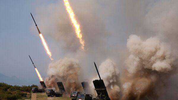 Wystrzelenie niezidentyfikowanych pocisków w KRLD - Sputnik Polska