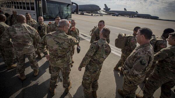 Amerykańscy żołnierze przed wysłaniem za granicę - Sputnik Polska