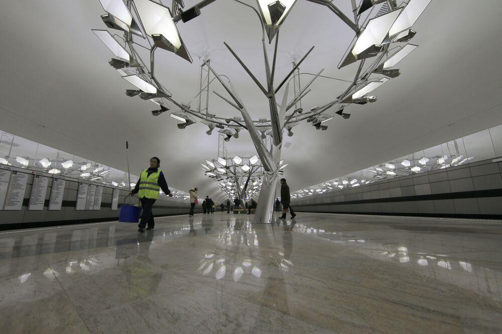 Nowo otworzona stacja moskiewskiego metra Troparewo, 2014 rok