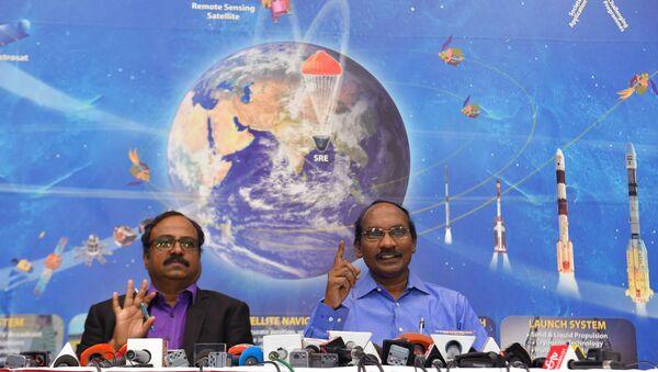 Dyrektor Indyjskiej Organizaji Badań Kosmicznych Kailasavadivoo Sivan na konferencji prasowej - Sputnik Polska