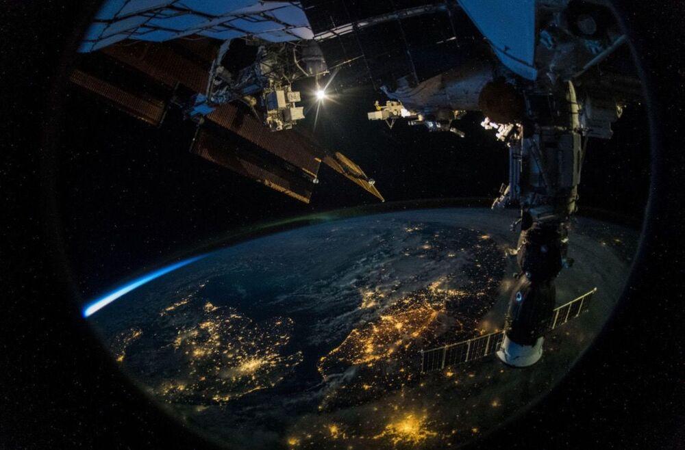Zdjęcie Ziemi wykonane Z MSK przez niemieckiego astronautę Alexandra Gersta.