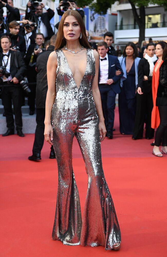 Rosyjska prezenterka telewizyjna Wiktoria Bonia na czerwonym dywanie 72. Międzynarodowego Festiwalu Filmowego w Cannes.