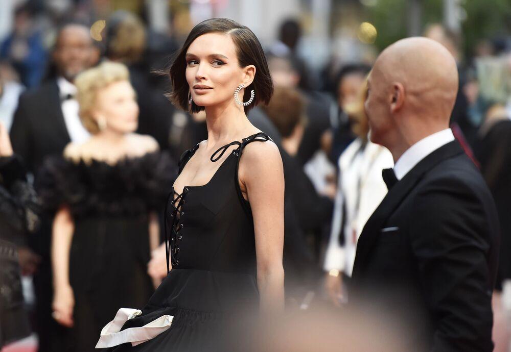 Rosyjska aktorka Paulina Andriejewa na czerwonym dywanie 72. Międzynarodowego Festiwalu Filmowego w Cannes.