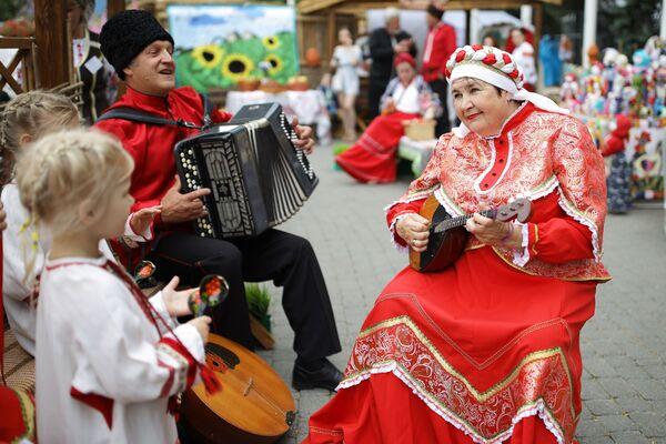 """Targi i jarmark turystyki wiejskiej """"AgroTUR-2019"""" w Krasnodarze - Sputnik Polska"""