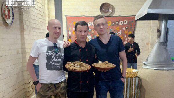 Polscy turyści w Uzbekistanie zapoznają się z tajnikami tamtejszej kuchni - Sputnik Polska