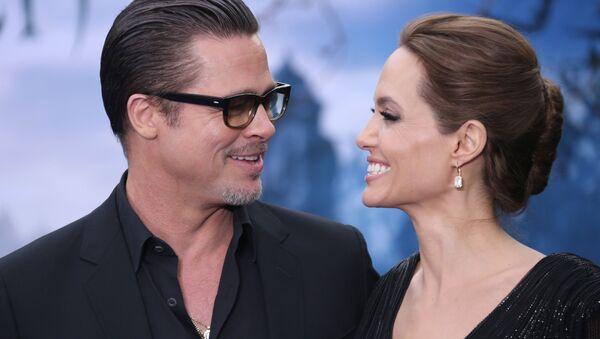 Amerykańscy aktorzy Brad Pitt i Angelina Jolie - Sputnik Polska
