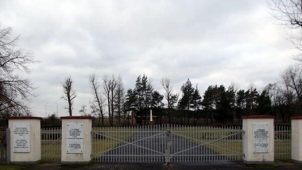 Cmentarz żołnierzy radzieckich w Międzyrzeczu - Sputnik Polska